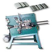 Plastiek-PP-seël- / knipmasjien (handmatige voermateriaal, outomatiese produksie)material,automatic production)